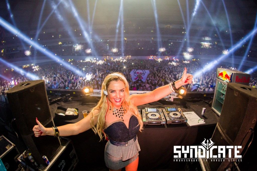 SYNDICATE_201504